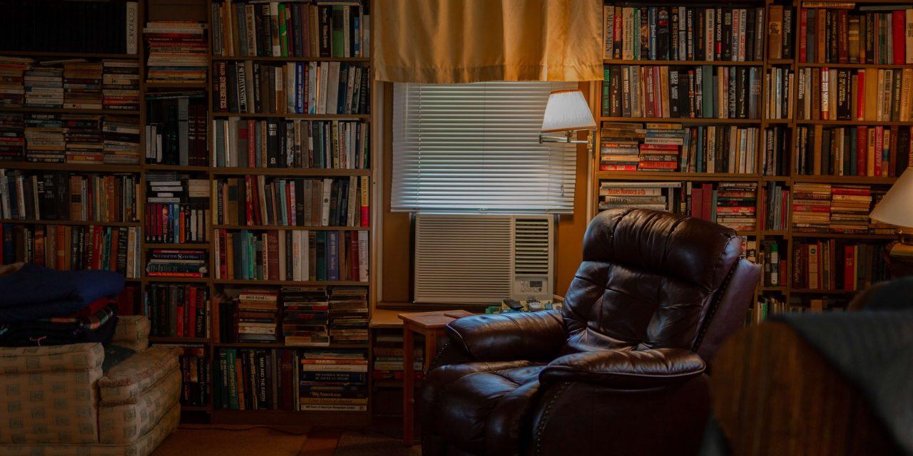 "Knihy, ktoré mi zmenili život a odporúčam ich<span class=""wtr-time-wrap after-title""><span class=""wtr-time-number"">13</span> min read</span>"