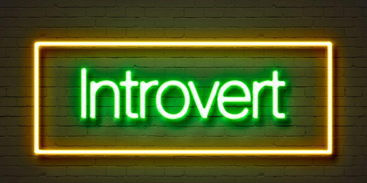 """Svet môže byť prispôsobený aj introvertom<span class=""""wtr-time-wrap after-title""""><span class=""""wtr-time-number"""">8</span> min read</span>"""
